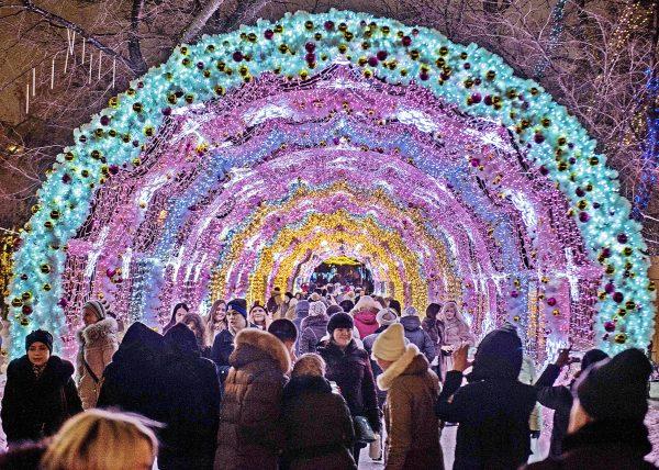 На Новый год дома Нового Арбата покажут поздравительные ролики. Фото: архив