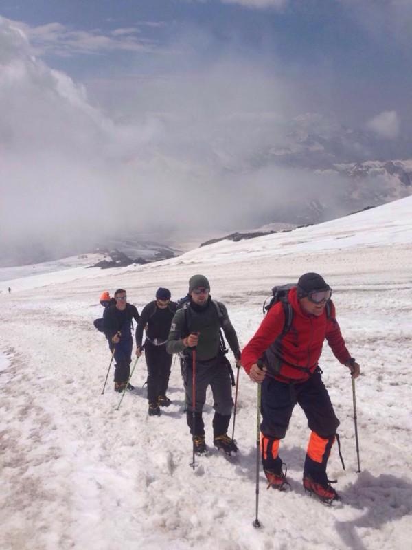 Столичные спасатели покорили Эльбрус