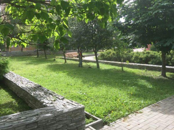 Новый газон сделают у дома в Воскресенском. Фото: администрация поселения Воскресенское
